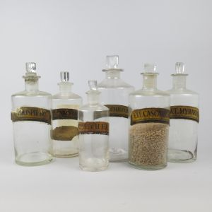 Chemist jars x 6 (gilt paper labels)