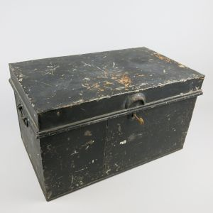 Tin deed trunk 3